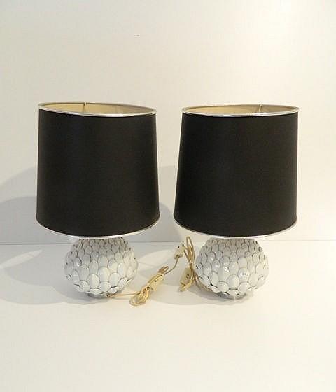 Paire de lampes de table aux artichauts, circa 1970, céramique émaillée, h.