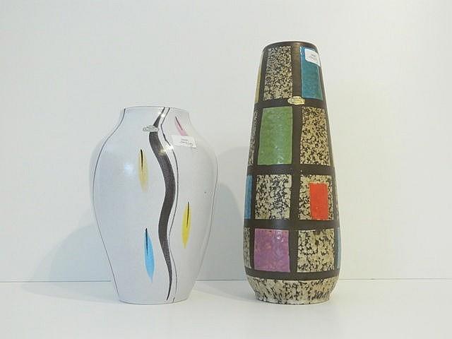Deux vases, l'un oblong à décor géométrique polychrome et Fat Lava, l'autre