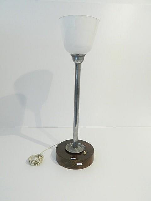 Lampe de table d'époque Art déco, circa 1930, verre opalin, fût en métal ch