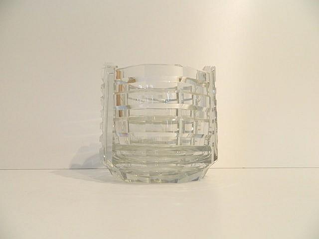 Important vase d'époque Art déco en cristal taillé, marqué d'un cachet [Bel