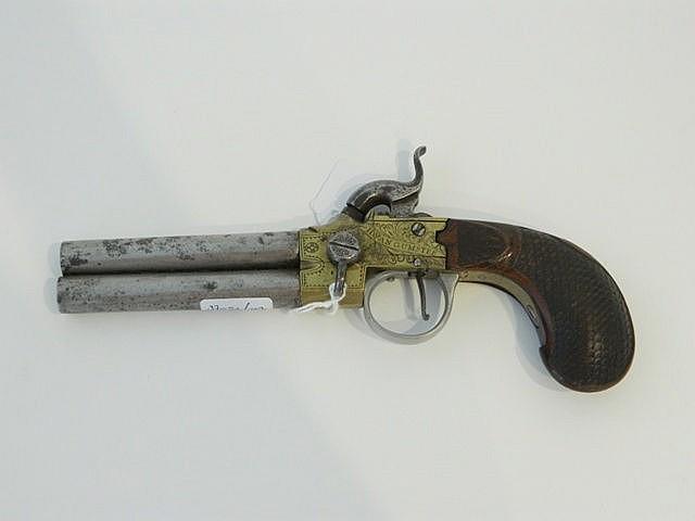 Pistolet avec chien à double canon, XVIII-XIXe, métal et laiton, marqué[H.