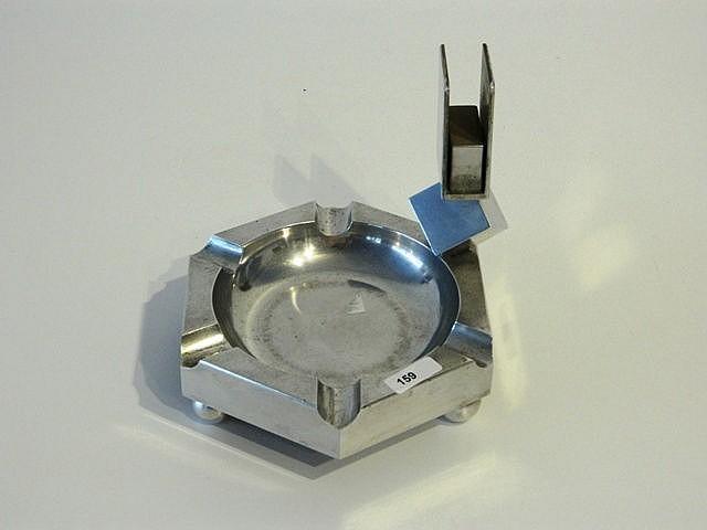 Cendrier avec porte-allumettes, XXe, aluminium, d. 15 cm.