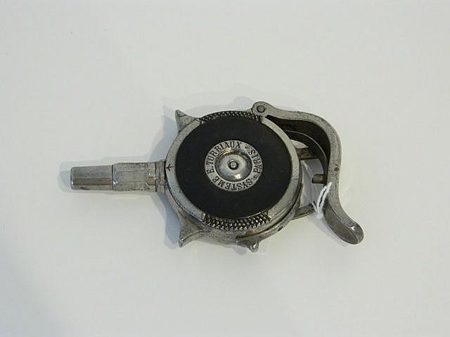 Revolver de poche à magasin radial, modèle