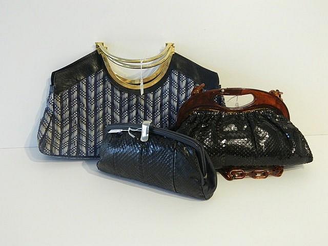 Lot de trois sacs à main dont deux avec une anse de panier, deux de petits