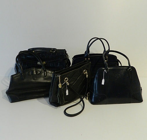 Beau lot comprenant : un grand sac Jacques Esterel en cuir noir ; un sac Fr