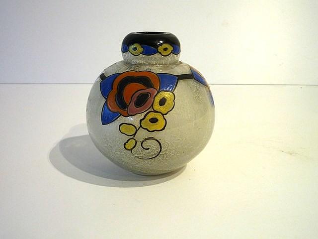Vase boule d'époque Art déco en verre épais incolore moucheté blanc à décor