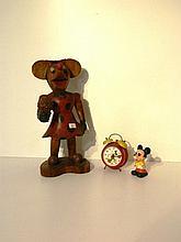 Statuette de Minnie Mouse, XXe, bois sculpté et polychromé, h. 51 cm ; WALT