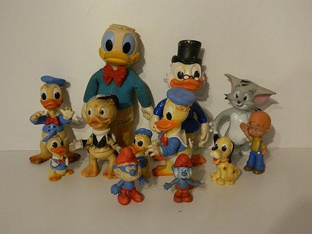 Ensemble de 12 figurines (Donald Duck, Balthazar Picsou, Sylvestre le chat