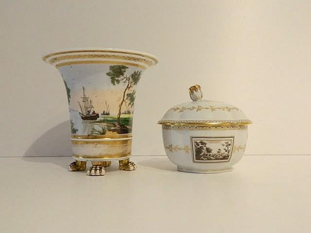 Bruxelles vase de forme jasmin d cor polychrome d 39 un paysa for Decoration quadrilobe