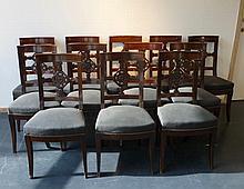 Suite de douze chaises à dos ajouré en croix, XIXe (six) - XXe (six), bois