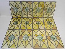 Suite de douze vitraux ornés d'un motif végétal, début XXe, verre peint, 3
