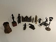 Lot d'objets de curiosité, douze pièces [altérations, accidents, manques e