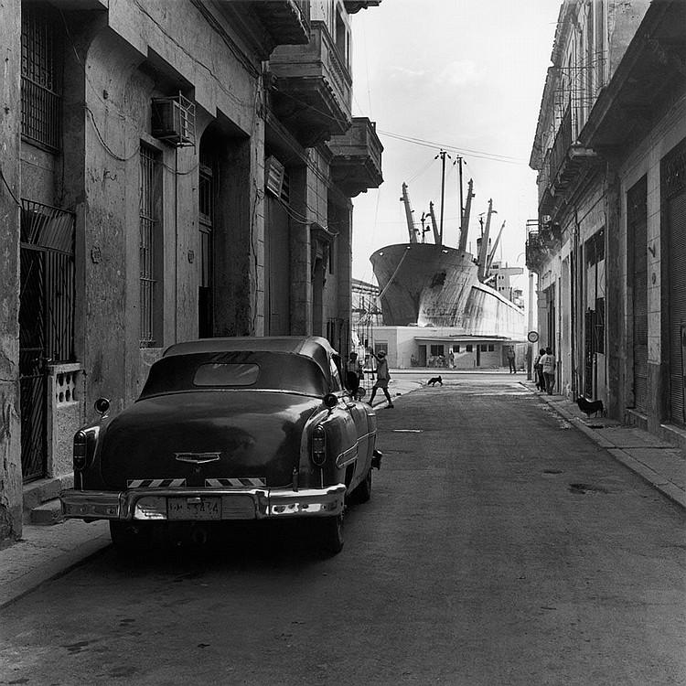Mario Algaze: Homenaje a Titon, La Habana, Cuba, 1999-2000, selenium toned silver print