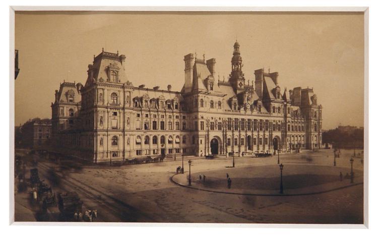 19-c Photograph of Paris City Hall