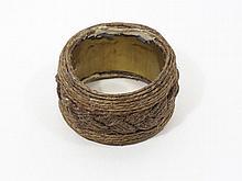 Christian Astuguevieille (né en 1946) ENSEMBLE DE 2 BRACELETS TRESSAGE DE CORDE Bracelet A : Maquette sur métal en corde de chanvre ...