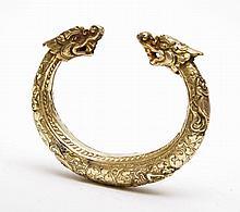 BRACELET DE CHEVILLE ASIE DU SUD-EST  Bracelet de cheville en argent et vermeil, motifs végétaux et floraux, poissons, coquillages e...