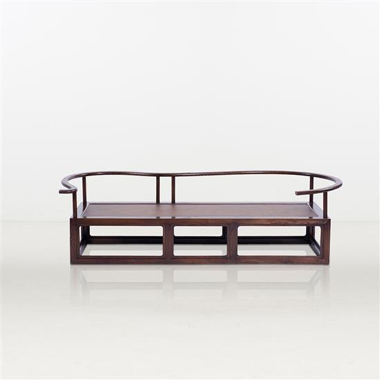 ƒ Chen Renyi Frame Couch Canapé Bois et cannage Pièce unique Date de création : 2012 H 60 × L 200 × P 70 cm