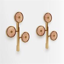 ƒ Design MVW Jin Shi Collection II Paire d'appliques Laiton et jade Pièce unique Date de création : 2013 H 75 × L 55 ×...
