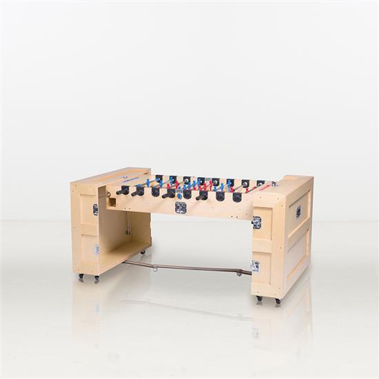 ƒ* Li Naihan Babyfoot Contre-plaqué et acier Date de création : 2012 H 93 × L 112 × P 52 cm