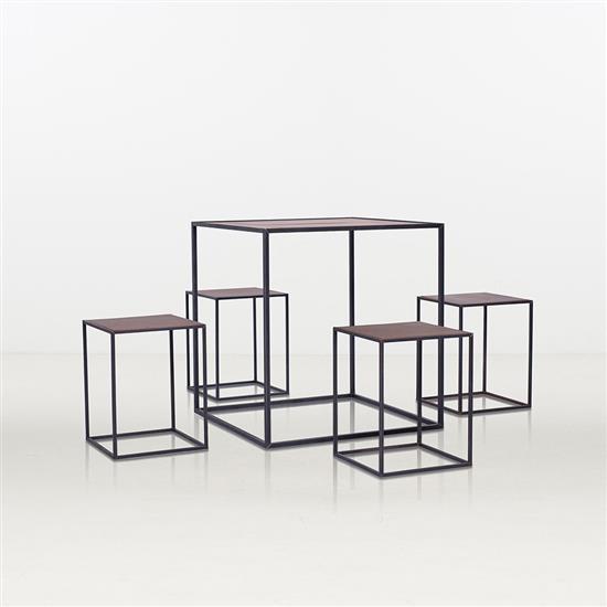 ƒ* Liu Feng Pandora Table à thé et quatre tabourets Métal et cuivre Édition limitée à 30 exemplaires Numérotée 2/30  Dat...
