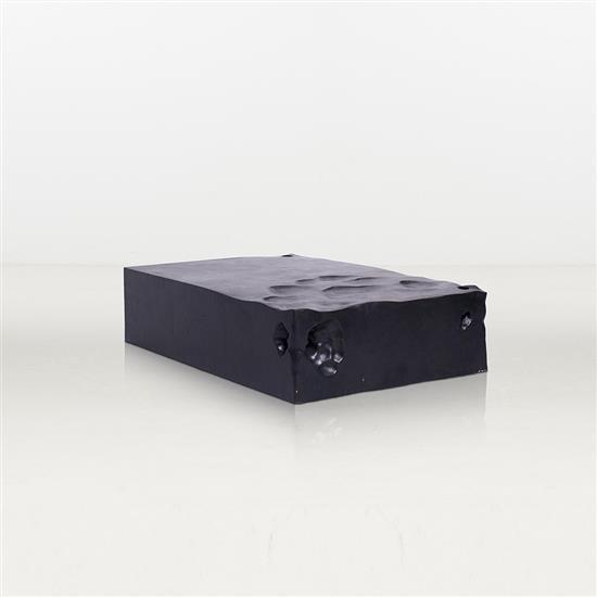 ƒ Shi Jianmin Cha Ji Table basse Bois Pièce unique Date de création : 2005 H 30 × L 120 × P 30 c