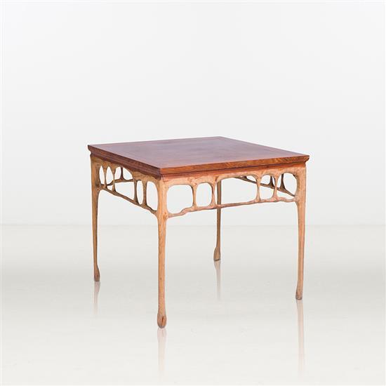 ƒ Shi Jinsong Table Bois Huashan Project : Melt Pièce unique Date de création : 2014 H 80 × L 90 × P 90 cm