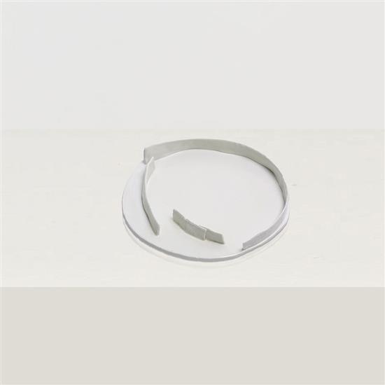 ƒ Song Tao Tulou 1 Plat Céramique Pièce unique Date de création : 2014 H 5 × Ø 34 cm