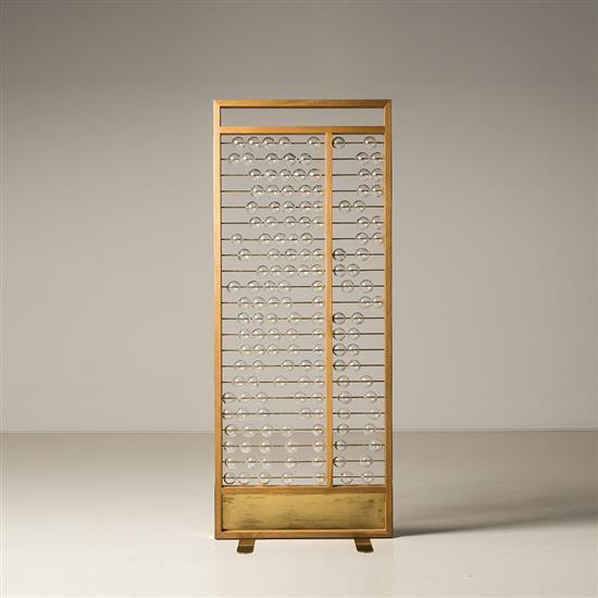 Lilou Grumbach-Marquand Boulier Structure : bois de chêne et cuivre Panneau intérieur : boules en verre de Murano sur tiges de cuivr...