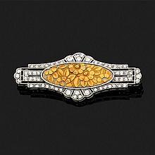 Broche en platine 850‰ sertie de diamants ronds 8/8