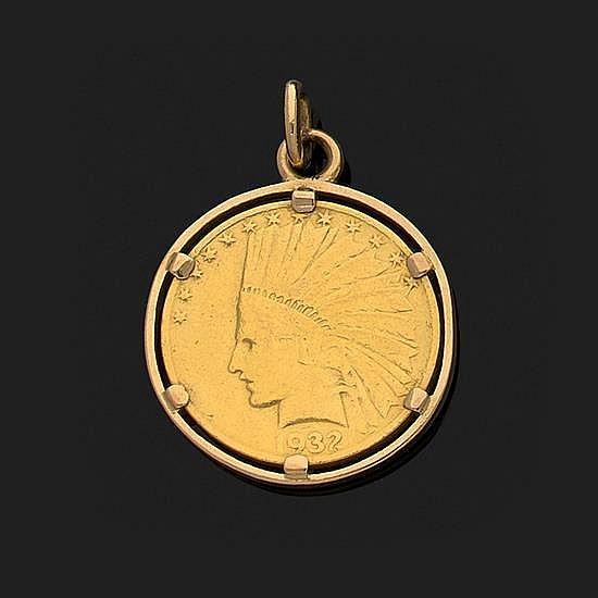 Pendentif en or jaune 18k, 750‰ orné d''une pièce de 10 $ 1932 (très usée) Poids 21,2 g
