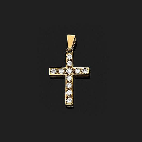 Pendentif croix en or jaune 18k, 750‰ orné de diamants taille brillant