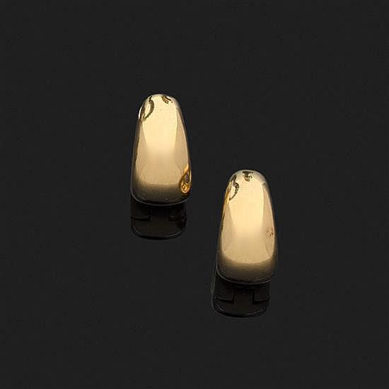 Paire de demi-créoles en or jaune 18k, 750‰.Système pour oreilles percées.