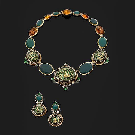 Diego PERCOSSI PAPI. Parure en métal doré composée d''un collier et d''une paire de pendants d''oreilles (systèmes pour oreilles percée
