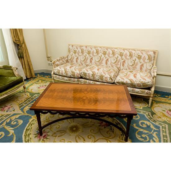Canapé, 85x200x80 cm et table basse, 46x120x75 cmSofá y mesa de centro