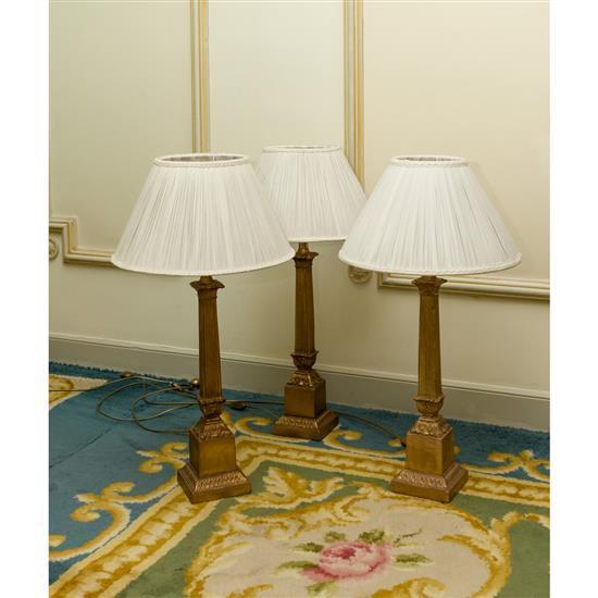 Trois lampes, H 80 cmLote de 3 lamparas de sobremesa