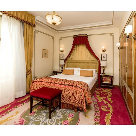 Tête de lit 120x187 cm, couvre lit, paire de rideaux, deux chevets 63x56x32 cm et deux lampesh 57 cm Cabecero, dosel, cortinas, pare...