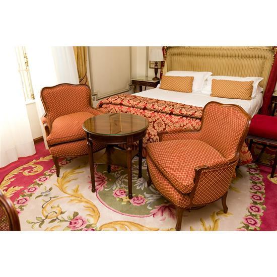 Deux fauteuils 86x80x66 cm et guéridon h66 D 60Pareja de sillones y velador