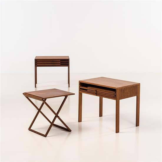 illum wikkelso 1919 1999 paire de chevets et six tables d 39 39. Black Bedroom Furniture Sets. Home Design Ideas