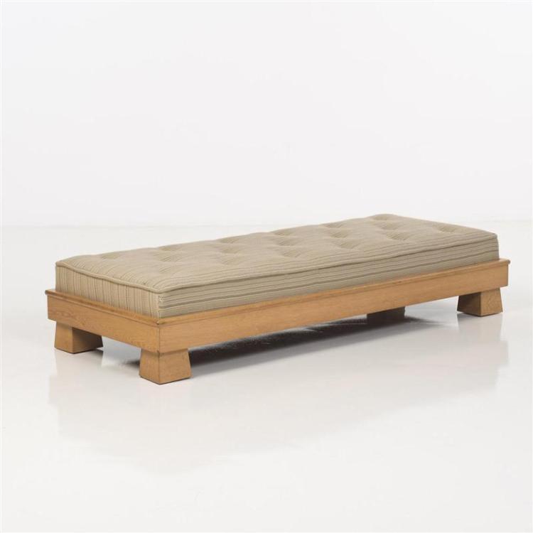 james mont 1904 1978 lit de repos. Black Bedroom Furniture Sets. Home Design Ideas
