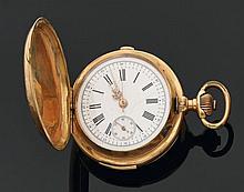 Montre de poche, de forme savonnette, en or jaune uni, à remontoir au pendant, la bélière en métal - à répétition des quarts par gli...
