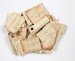 ANCIEN REGIME. 60 lettres, XVIe-XVIIe siècle. Lettres d'affaires ou de famille, ayant circulé en plis cachetés (la plupart avec leu...