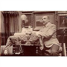Antonin MERCIÉ (Toulouse, 1845 - Paris, 1916) Sculpteur, assis chez lui en octobre 1908