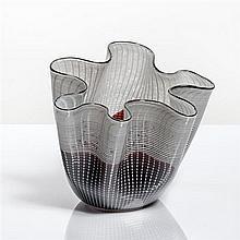 Lino Tagliapietra (né en 1934) - Italie Verre soufflé en forme de mouchoir bicolore et