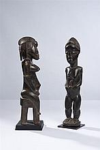 Statuette féminine Sénufo assise République de Côte d'Ivoire Bois H 41