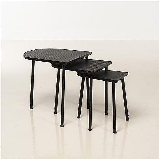 Jacques Adnet (1900-1984)Tables gigognes