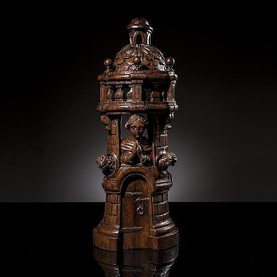 Sainte Avoye en chêne sculpté et ajouré, dosplat et repercé. La jeune sainte, sculpture