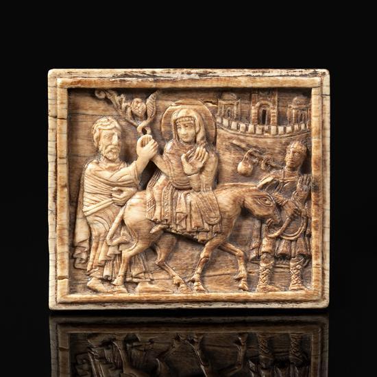 Plaque en ivoire sculpté en bas-relief représentant le Voyage de Nazareth à Bethléem