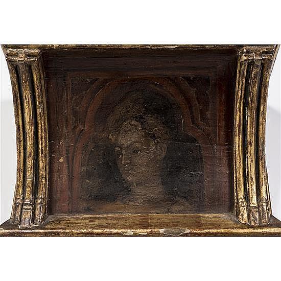 Panneau de plafond représentant un bustede jeune femme peint à la tempera sur bois