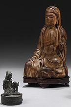 CHINE et probablement INDONESIE XVIIe siècle et XIXe siècle Ensemble comprenant : - Statuette de Guanyin en bois sculpté à traces de...