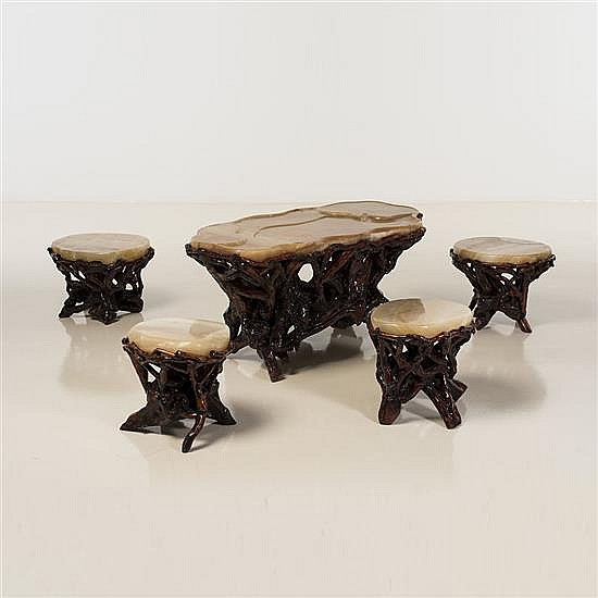 Travail vietnamientable basse et quatre tabourets bois scu for Table basse bois et noir